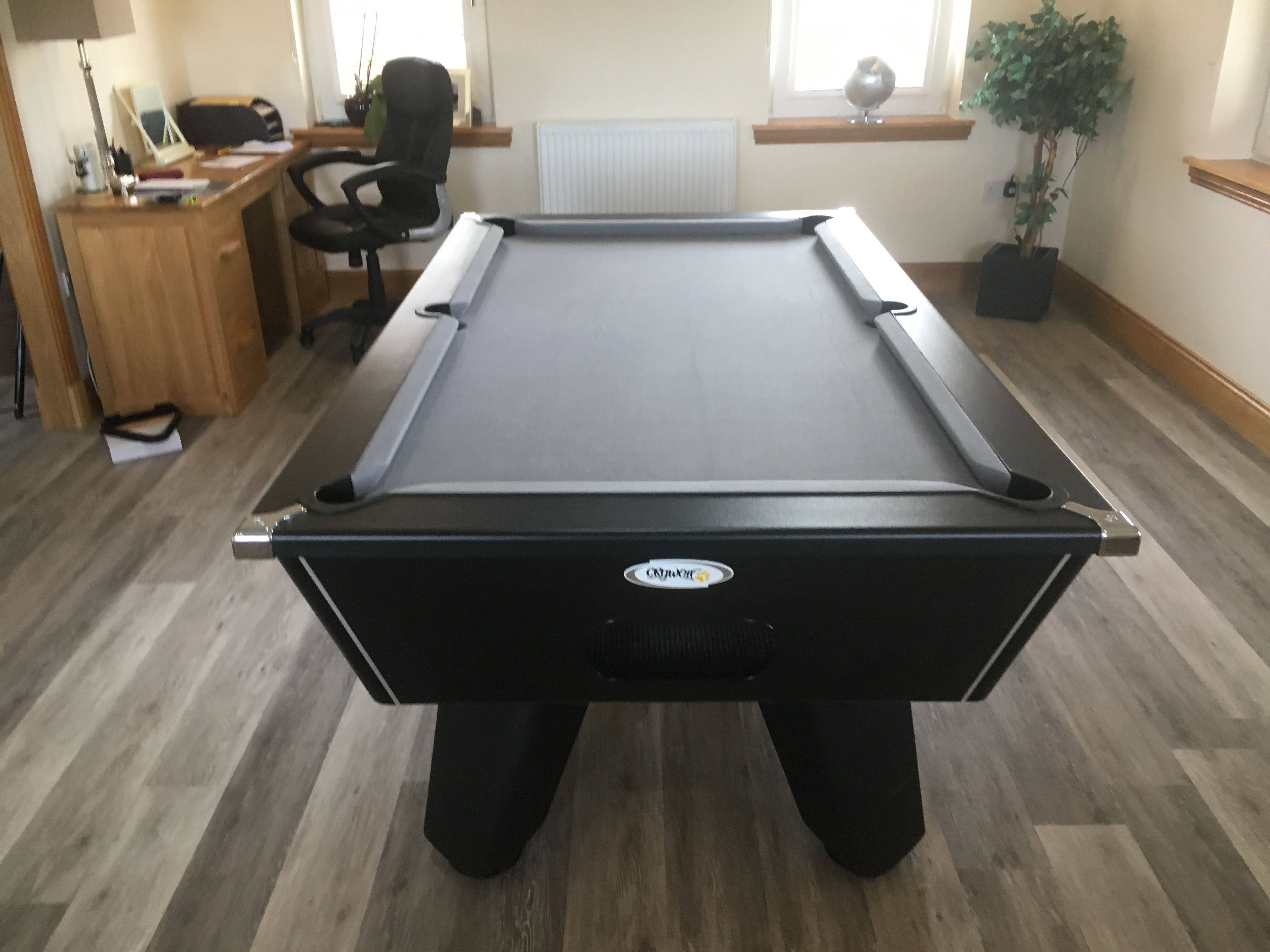 Domestic pool table – Silver cloth. Elgin